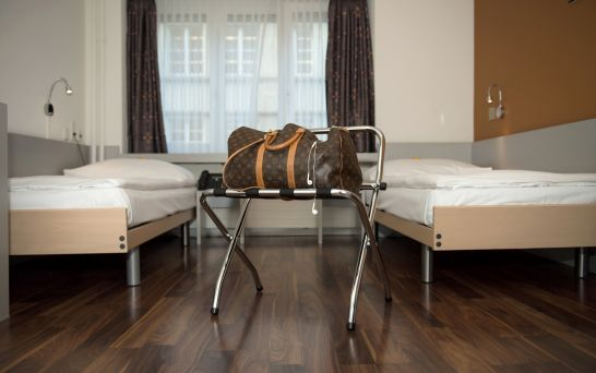 Book double rooms with separate beds low price in the centre of Zurich.